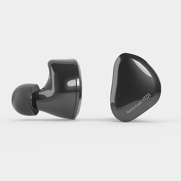 iBasso Audio アイバッソオーディオ IT01 Black 高音質 イヤホン イヤフォン 【送料無料】 【1年保証】