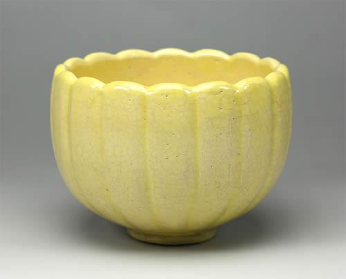 2012年初春作品淡黄楽 菊割 茶碗