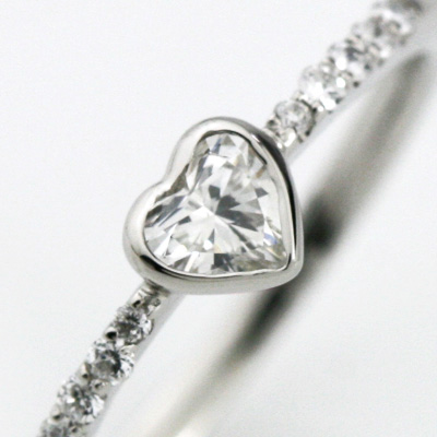 婚約指輪 (鑑定書付) プラチナ ハート ダイヤモンド リング 0.13ctアップ SIクラス Hカラーアップ 【送料無料】(納期10営業部) エンゲージリング