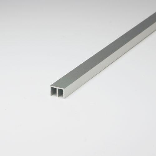 アルミ材 卓抜 OUTLET SALE アルミ型材 のガラス引き戸用レールを販売 ショーケースや家具などの引き戸に 幅広い規格 寸法 ※サービスカット対応商品です サイズを取り揃え 3mmジカ引用x3640mm アルミ上レール アルマイトシルバー