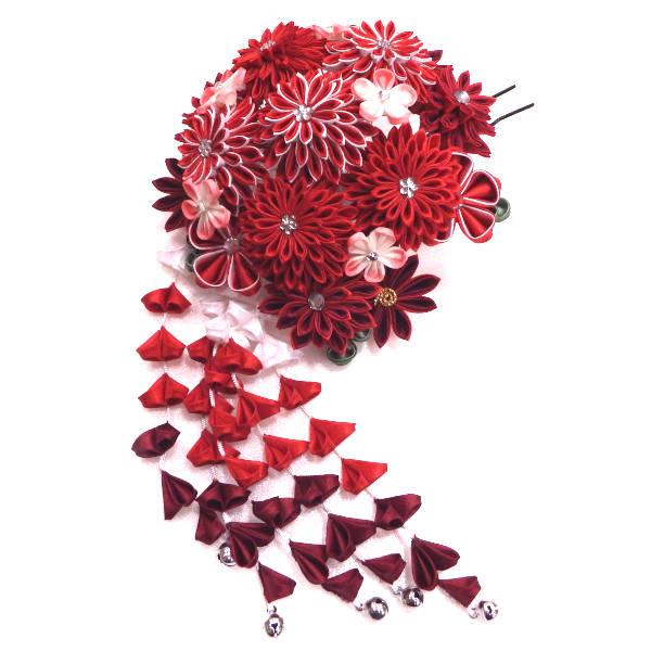 新品 つまみ細工のコーム型の髪飾り メーカー再生品 高額売筋 菊と梅の花手まり 暗めメタルカラーのかんざしが髪色になじみます 先端に鈴の付いたさがり付き