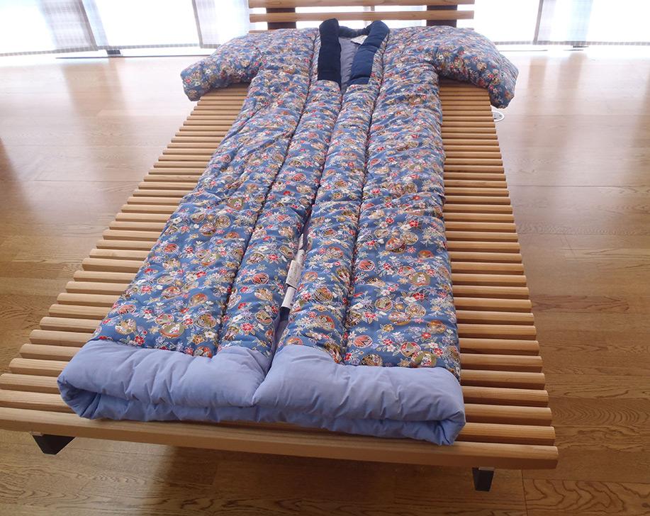 表生地、裏生地ともに綿100%の高級生地袖には手を通さずに掛ふとんとして使います 夜着丹前(綿100%) かいまき (日本製)
