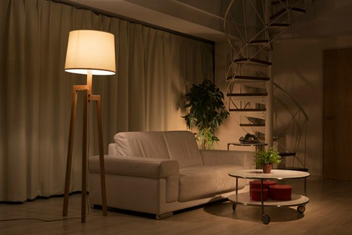 フロアライト LED スタンドライト おしゃれ 木製 円柱 シェード 床置き 北欧 led 木製照明