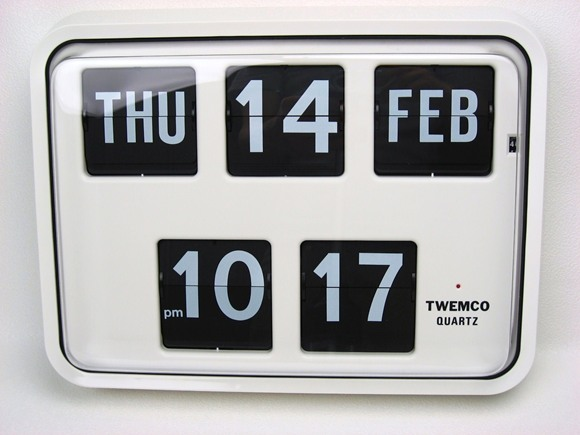 TWEMCO トゥエンコ 『パタパタカレンダークロック』 BQ-17 掛け時計 インテリア小物 置物 時計 壁掛け時計 掛時計 壁掛時計 インテリア カレンダー カレンダークロック ウォールクロック 時計・壁(ウォールナット) トゥエムコ