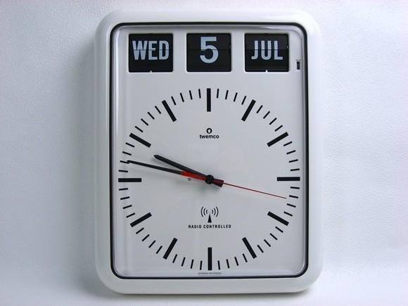 【送料無料】TWEMCO トゥエンコ 『電波クロック』 RC-12B 掛け時計 インテリア小物 置物 時計 壁掛け時計 掛時計 壁掛時計 電波 電波時計 インテリア ラジオクロック カレンダークロック ウォールクロック【楽ギフ_包装選択】