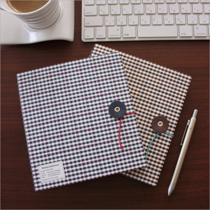 Brown gingham clade kleid and string tie notebook String-tie notebook ring note (solid) and light blue (No.8878)