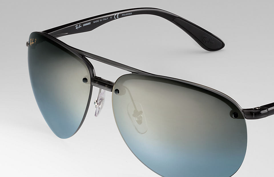 dae16cc129 The RB4293CH sunglasses of Ray-Ban are equipped with Chromance Lenses  (chroman lens) in the square double bridge design of the nylon material.