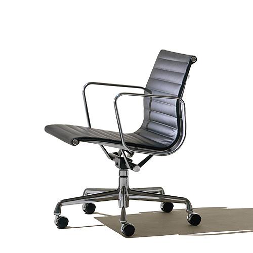 【ポイント5倍!】HermanMiller ハーマンミラー 「Eames Aluminum Group Management Chair」 【取寄品】