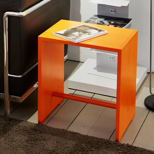 【限定クーポン!最大1000円OFF】【ポイント2倍!】Wohnbedarf(ヴォーンベダルフ)スツール 「Ulm Stool Color」オレンジ