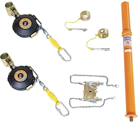 屋根材等の解体作業時の墜転落防止器具です。YM-100 やねブロック(藤井電工)ツヨロン
