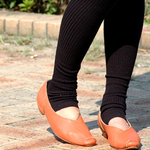 The rib spats that a legendary man with long legs effect was perfect came over by new color addition in large rib! Because the warm knit leggings of wool blend which wear it for a feeling of fitting that is kind to moderate thickness, and a feeling is di