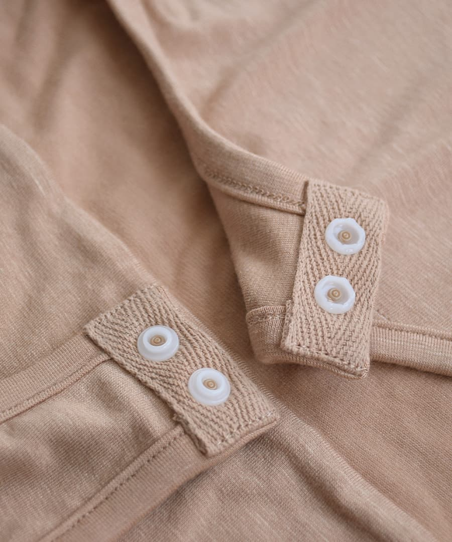 Camisoles and lingerie together. Invisible underwear even crouching with レーストリミングクロッチ underwear / automatic temperature control material ◆ Zootie ( ズーティー ): ココチインナーボディブリファー [Camisole]