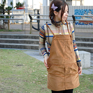 Thick corduroy-like material is an adult-like, and the jumper that length adjustment to be able to mix-and-match is possible comes up than a popular brand double closet! Because excellent at affinity with any item, folklore-style もきれいめ-style is thing ◆ w