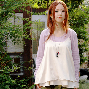 The outer camisole that heteromorphic Y background is cute! Adult camisole ◆ バックリボンマットサテンドレープキャミチュニック where is most suitable for a layered style