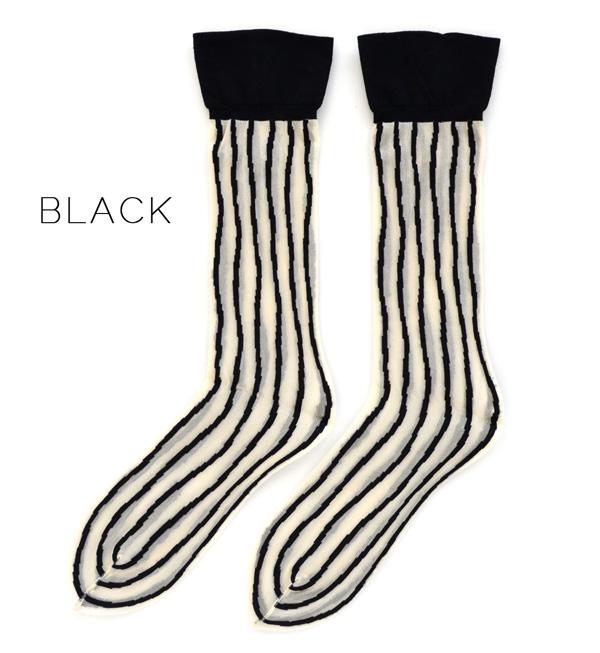 The fashionable feet ‥ ‥ cute feeling rough handwriting of an irregular line is an attractive short-length socks! Stylish stripe design socks and sheer put it all season socks ◆ cocomono mamani ( ココモノママニ ): たてせん short socks