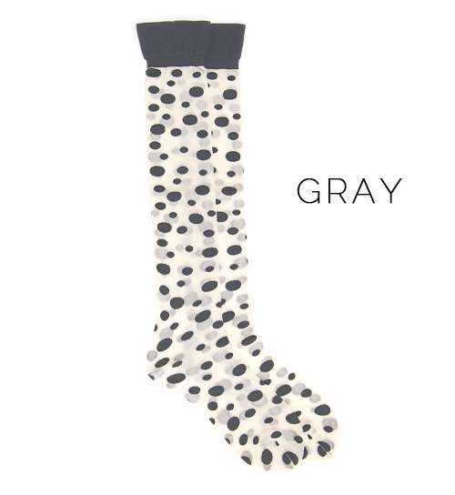 An appearance under Nippon Shoe where the fashion shows cute ‥ random dot pattern from the step! Socks ◆ cocomono mamani (Kokomo Noma Manes) the design socks that a waterdrop of large and small size is stylish have translucency, and to be able to wear in