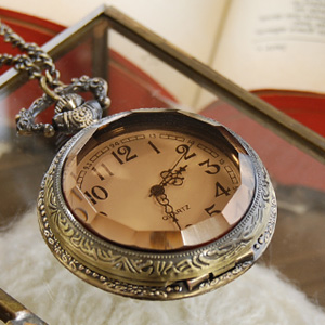 Long opening retro Lidded really move Pocket Watch necklace! Romantic classical antique style clock accessories ◆ アンティーククロック long pendant chain