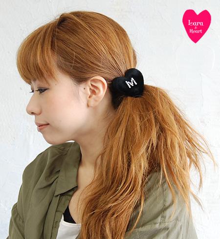 Hair pony / hair accessories / bracelet ◆ Lara & Heart (LARA and heart) where the alphabet sparkles in a black velour heart type full of the sense of quality: Velvet initial heart hair rubber [rhinestone]