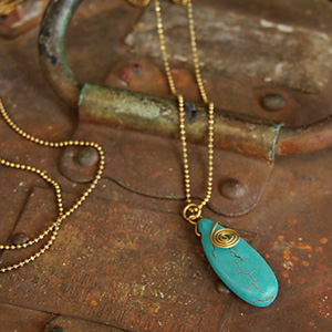 Even if take it, is light; arrive; natural turquoise-like Shin pull long shot necklace / antique gold / handmade product / vintage / ball chain / delicateness / slim ◆ turquoise blue stone motif long shot pendant [slim teardrop] of the feeling