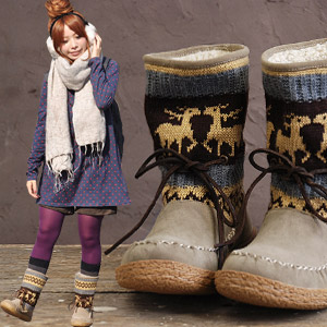 The reindeer pattern knit boots which were clogged up with season! It is / moccasins style ◆ inside boa Nordic events knit bootie in the ♪ native folklore-style that 2WAY design ♪ which I can see a boa like swelling even if an occasion wears it, and is C