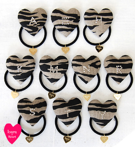 A zebra pattern! Stylish mail order Rakuten ◆ Lara & Heart (LARA and heart) which the hair pony dibra island horse bracelet Lady's which the alphabet of the rhinestone glistens with has a cute: Animal canvas initial heart hair rubber [zebra]
