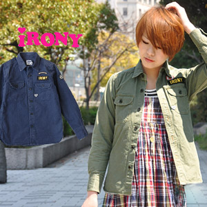 As the cold season ライトアウター great thick shirt! Cape distressed image of vintage work shirt decorated with fully / cat / Neko /guide shirts ◆ irony (irony irony): ミリタリーワッペン guide shirt
