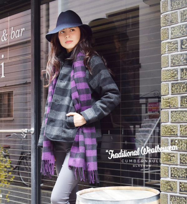 It is expression BLANKET MUFFLER with British traditional checked pattern! ◆ Traditional Weatherwear (traditional weather wear) made in the lady's stall scarf check rug haori rug fringe U.K. belonging to: Check blanket scarf