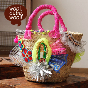 With sequins, beads, lace, etc., such as a colorful toy box goodie bags! Hardcover also vertically next to accommodate size of bag / bag / bag /BAG ◆ wool, cube, wool! (Wool wool cube): コラージュカゴ bags