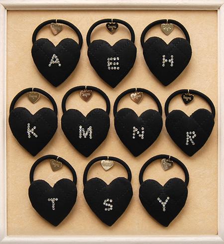 Lara & heart hottest hair accessories or suede style quilt appeared rhinestone alphabet here pony pun ◆ &CEART Lara (Lara and heart): fake sedkiltinginitiarharthairgom [Black]