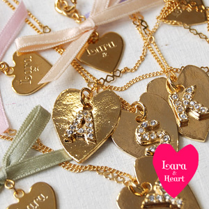 Long necklace featuring the initials in rough heart-shaped plate. Slender and delicate long chain / letters / Roman alphabet / accessories ◆ Lara &Heart (ララアンド heart): イニシャルハートプレートロングネックレス
