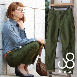 By cutting to bring about the military underwear ◎ solid-like silhouette which sewed full-scale M-65 military design in a motif elegantly as for the beautiful leg effect very much! /MILITARY PANTS ◆ Johnbull (John Bull): Back satin military underwear [AP