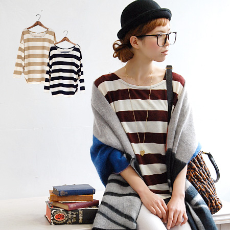 Neat casual Kota ピッチボーダ pattern deformation Chateau. Enjoy wearing loose any width Dolman-style silhouette ♪ the shoulders and hem soft rounded ◎ / long-sleeved sweaters and women's ◆ ワイドボーダードロップショルダーライトニットプル over