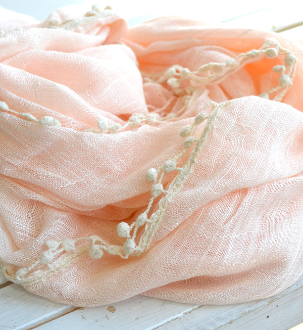 The sign of spring light stall with full of natural senses of the seasons that a race gives glory to plonk. It is a race trimming rayon gauze stall stylish mail order Rakuten ◆ that a simple plain girly thin pastel shawl is pretty plonk