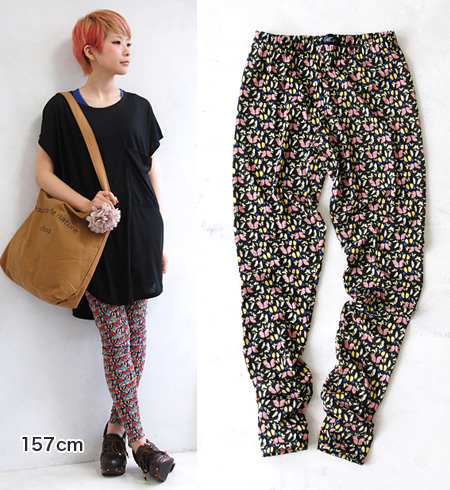 Want, of fluttering butterflies, glossy and vibrant Butterfly pattern leggings. In the spring and summer in hot pantyhose sense, perfect for thin, the salary and it comfortable in the season ◎ / stockings / 10 minutes Length spats / full-length / socks /