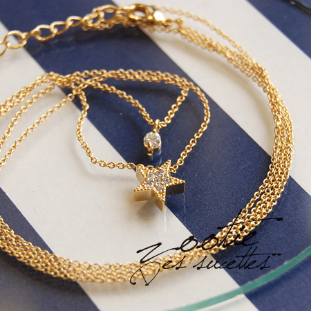 Shining star snuggle up with small Rhinestones, elegant Dual-necklace. And delicate in the glow emitted from the motif, and delicate presence ◎ & easy to match with any clothes! / gold chain ◆ Zootie ( ズーティー ): パヴェスターツインネックレス