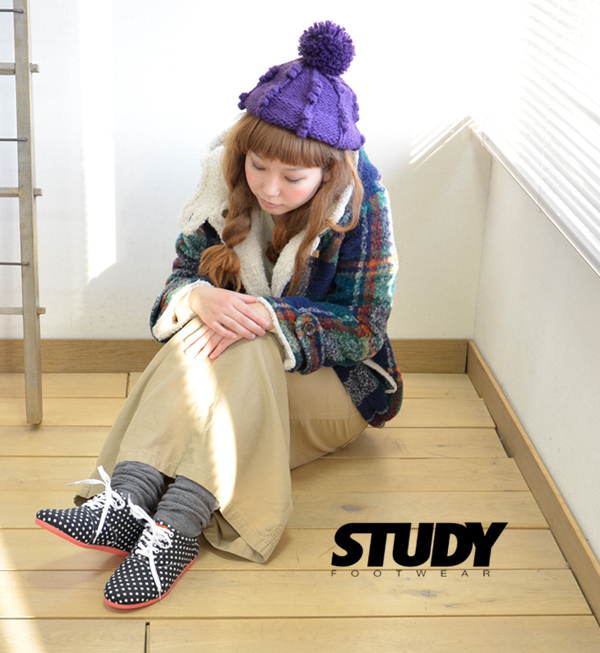 Sole is the dot pattern Oxford sneakers arranged colors of the neon color. The low-frequency cut sneakers of a simple, light silhouette. / Lady's / shoes / waterdrop pattern /STY FW1232 ◆ STUDY (study) THE DOT DROP BLACK with the in heel