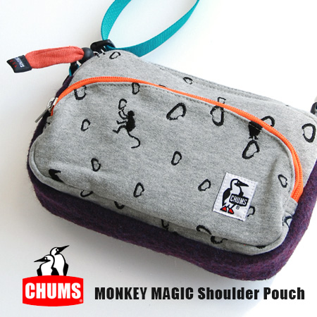 Mini shoulder bag collaboration with NPO support for climbers with a visual disability to see monkey magic! Paperbacks and 500 ml PET bottle that fits in the travel bag: ◆ CHUMS ( chums ) :MONKEY MAGIC sweat shoulder pouch