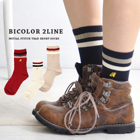 "The middle length socks which accentuate that ♪ which embroidery of line &"" R of the School Girl style has a cute is traditional fashion just to wear it. Fit it well; 2 sense of stability ◎ / shortstop socks / footware / Lady's / woman socks ◆ a"