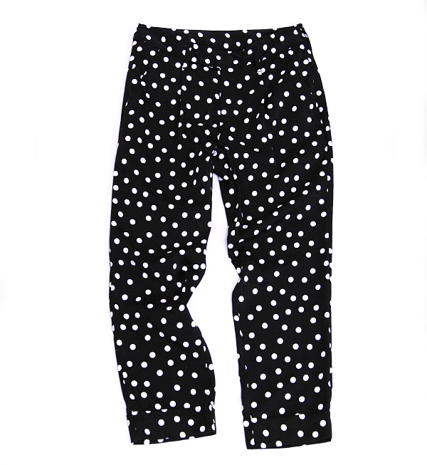 The dot pattern pencil underwear of the satin material. Beautiful silhouette / waterdrop pattern / ankle length / cropped pants /fs3gm ◆ Audrey and John Wad (オードリーアンドジョンワッド) which a woman is dressy, and is worn: Dot satin tapered pants