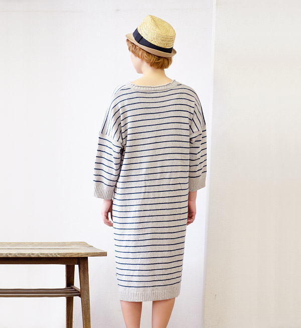 Spring knit one-piece mind-bending flecked, narrow border pattern. Wide silhouettes that can be worn comfortably. Is extra long legs cute! / knee-length and knee-length / long sleeve/v neck / spring dress ◆ カラーネップボーダーニットドロップショルダーワン piece