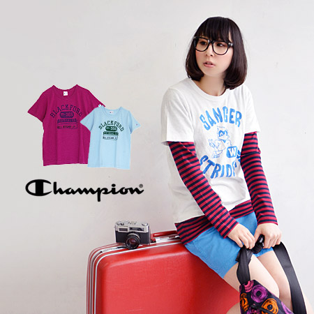 Tops ◆ CHAMPION (champion) print T-SHIRT CW-B314 which the lady's short-sleeved T-shirt binder neck window shade stitch crew neck cut-and-sew which I made alkali wash processing full of a feeling of ユーズド on has a cute