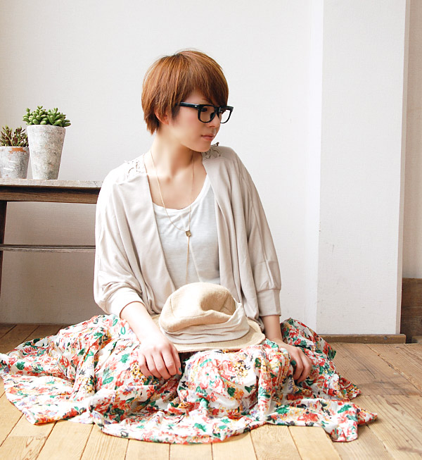 Fashionable in the diffrence Cardigan with UV cut coating, UV protection! Back decorated with large cotton lace, easy-to-slip into something ドルマンスリーブカットソーカーデ / Tan measures / busboy / 7-sleeves ◆ backers UV cut Topper Cardigan