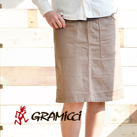A simple knee-length skirt climbing maker Gramicci! Design by nothing more than spread a sturdy Twill material can withstand the volatility in A line. In the active scenes of mountain climbing and FES: 2364-56 J / ◆ Gramicci ( gramicci ) Mountain Skirt