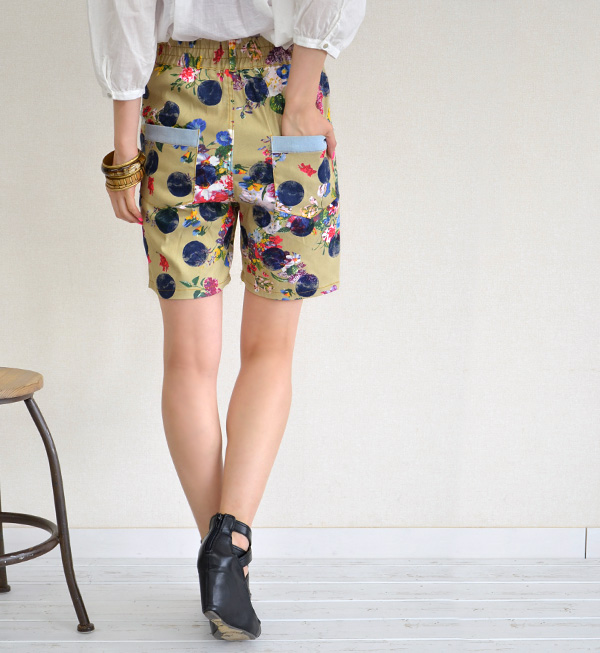 "Entering tuck shortstop length underwear / dot handle of ◆ Zootie (zoo tea) of ""the deep rise"" that & high waist can wear in the half underwear ♪ sarouel pants style which put a big waterdrop pattern on colorful waste flowers: Art flower bo"