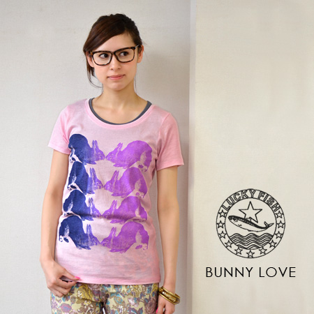 The short-sleeved T-shirt which printed a real rabbit by a gradation color. Lady's Tee/ cut-and-sew /Lady's/ animal / rabbit / rabbit ◆ Lucky Fish (lucky fish) BUNNY LOVE [Lady's] of the casual め silhouette which is not too feminine