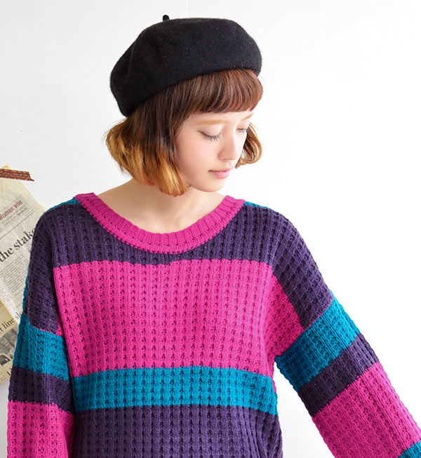 De in retro colors on waffle-style crochet pattern. Other loose boasts no presence long sweater / long sleeve / crew neck and long-length and tunic-length / women's / round neck ◆ マルチボーダードロップショルダーニットチュニック