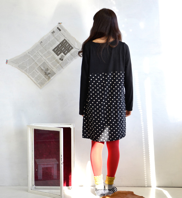 Apparently girls a-line skirt swaying ♪ switched to a dot pattern from the position of the chest excrement instead soft ライトニットワン piece / long sleeve / minivan API / a rainwanpi / women's / みずたま pattern ◆ パネルドットニットソーワン piece