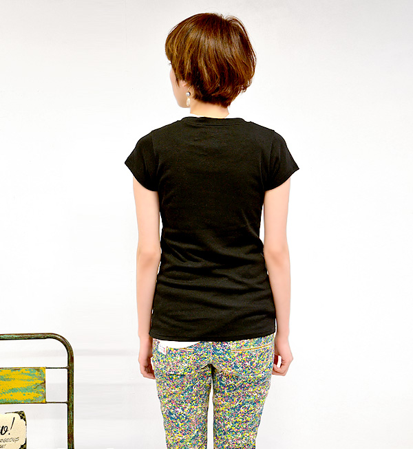 Rib T-shirt Lady's English letter logo logo Tee tops pullover slim ◆ zootie (zoo tea) of a feeling of compact size that seems to be a girl on the casual emblem with the three-dimensional impression like swelling: Brklyn compact T-shirt