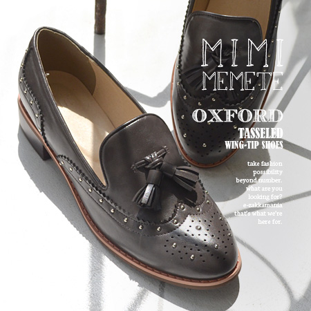 Loafer Lady's shoes shoes opera shoes low heel mannish 合皮 fake leather black and white ◆ MIMIMEMETE (ミミメメット) with the tassel with wing tip design: Petit studs tassel Oxford shoes