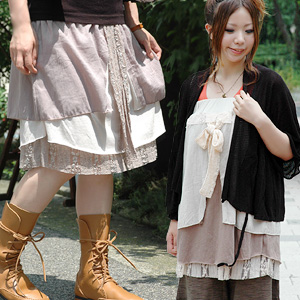 The 2WAY skirt that cloth for chiffon and the gauze lace which I piled on top of are very cute is an appearance from original brand zoo tea! Girly asymmetric design tunic ◆ zootie which becomes the base-up top and the camisole dress: Quartet 2WAY race ri